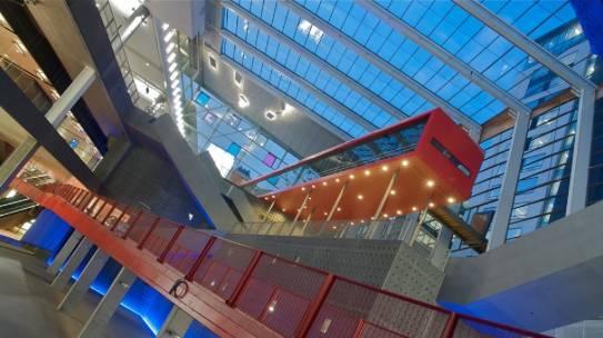 Installatie gevel verlichting station Antwerpen